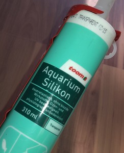 Eine Kartusche Aquariensilikon