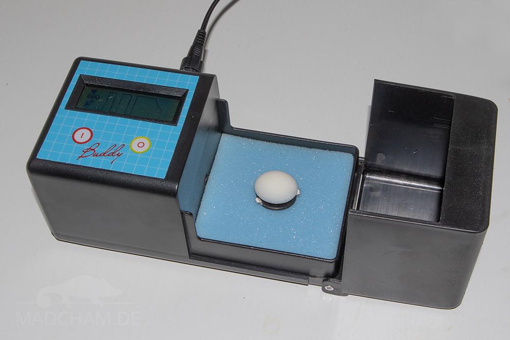 Egg Monitor Buddy Mk2 mit Ei